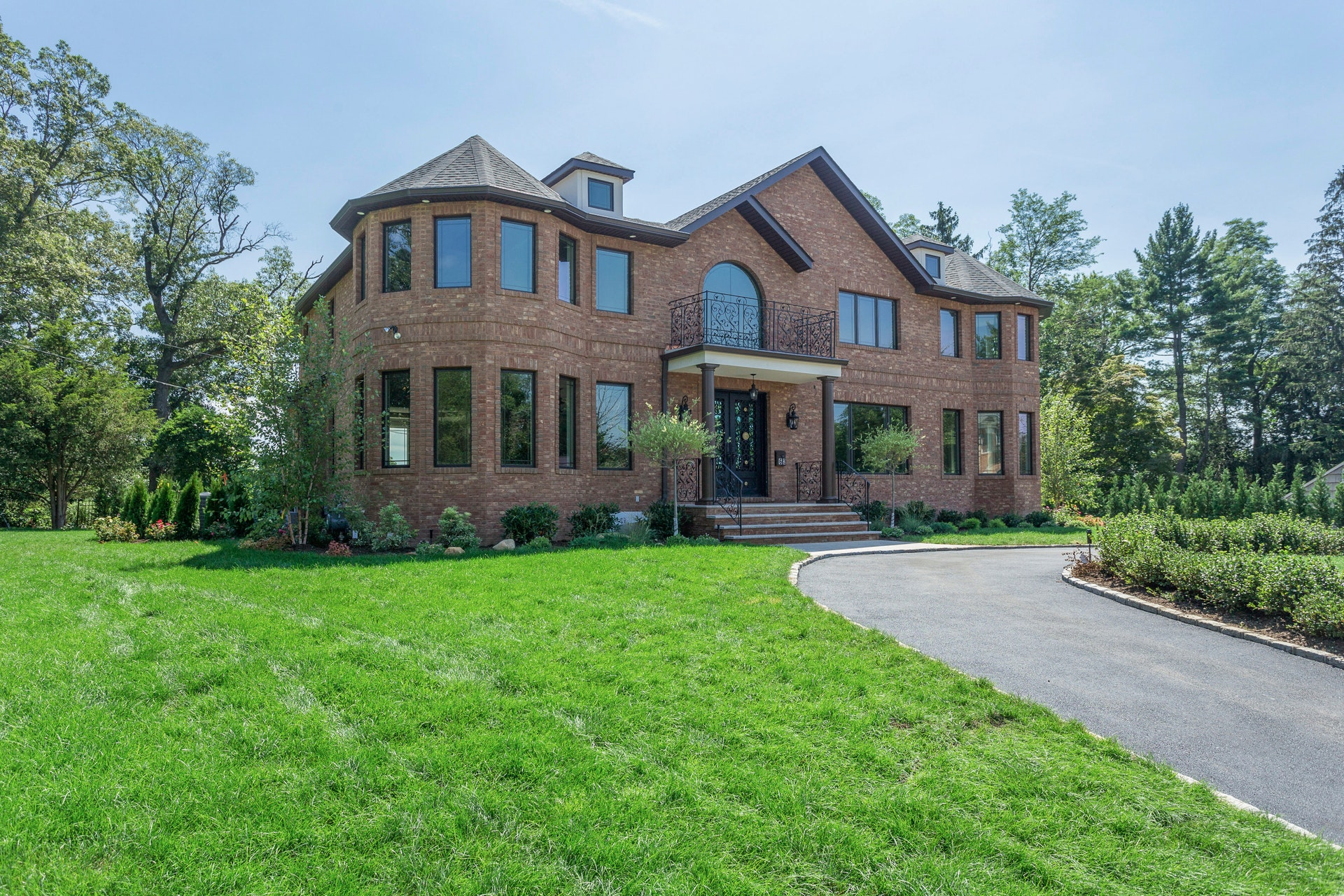 Just Listed!  Brand New Brick Construction in Roslyn Country Club