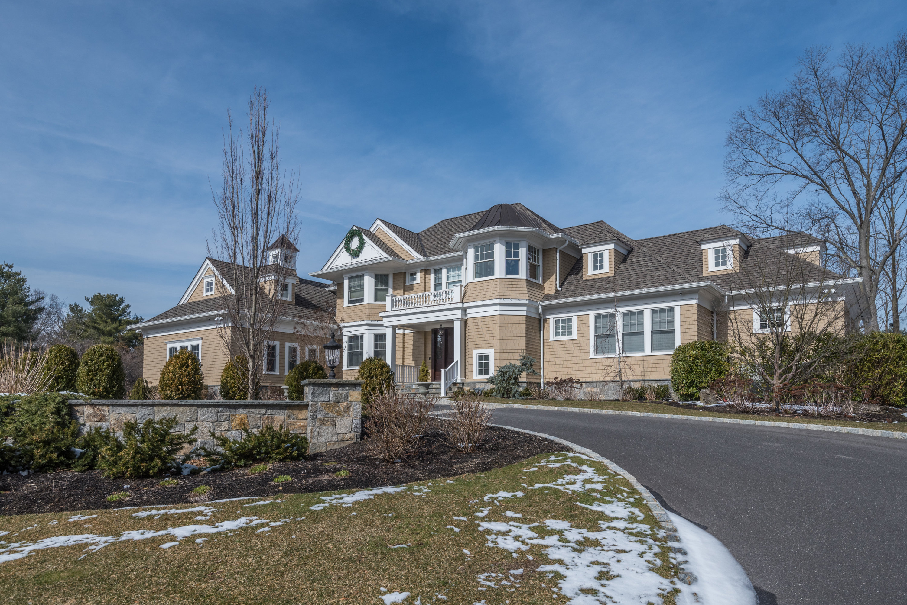 Just Sold!  Magnificent Hampton-style Colonial in Oyster Bay Cove