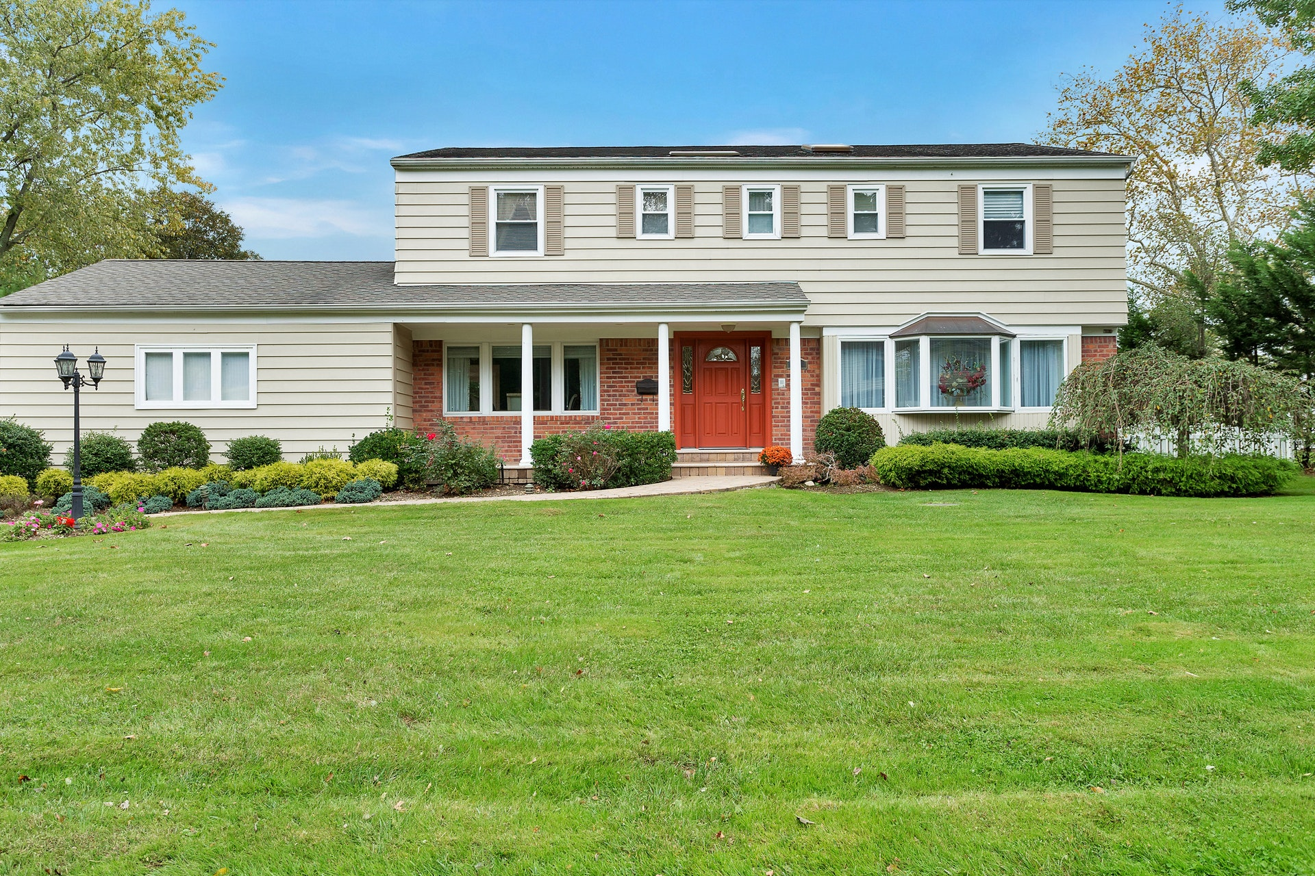 Just Listed!  Charming East Hills Colonial