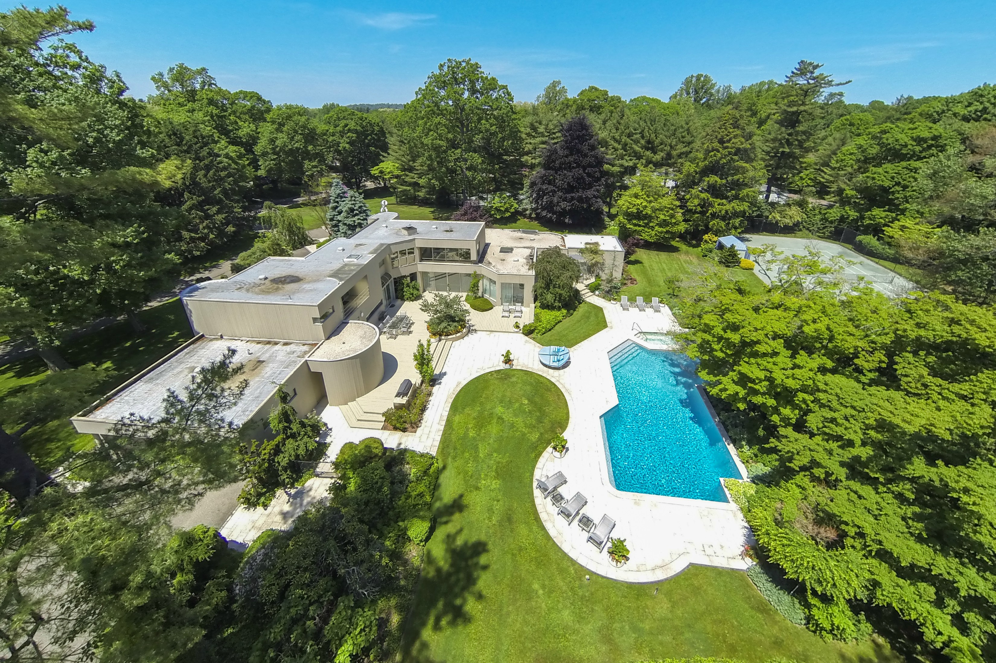 Under Contract!  Stunning Contemporary in Old Westbury