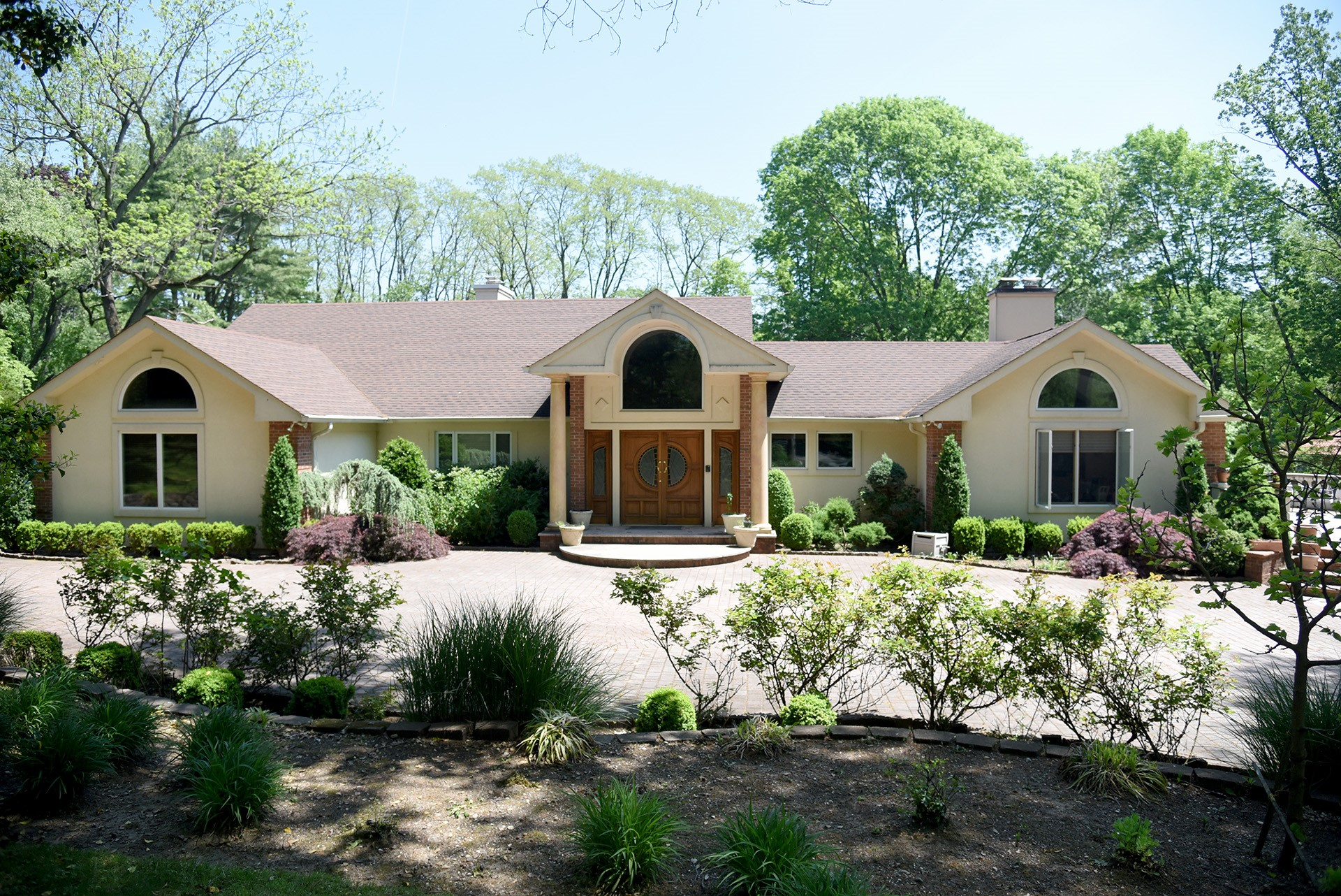 Price Improved!  Sprawling ranch in Old Westbury