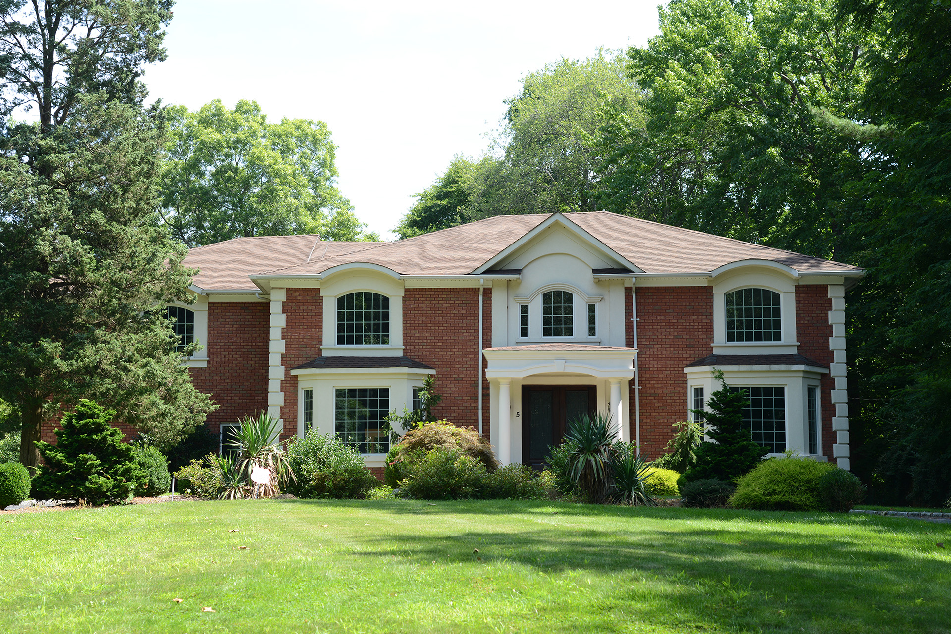 Back on the market!  Beautiful Center Hall Colonial in Woodbury