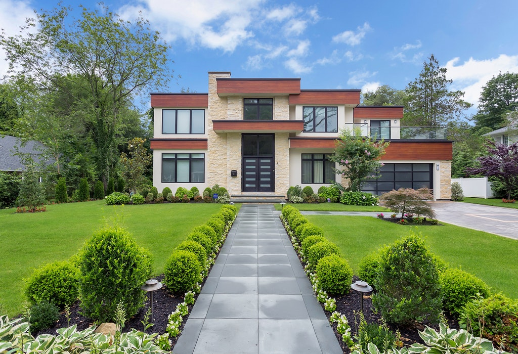 Just Listed and First Open House!  Contemporary Gem in Roslyn Country Club