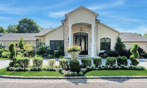 New Listing! Charming Expanded Old Westbury Ranch