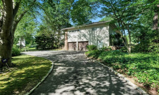 SOLD!  Very Rare Custom Built 'Frank Lloyd Wright' Prairie House Designed By Edgar Tafel