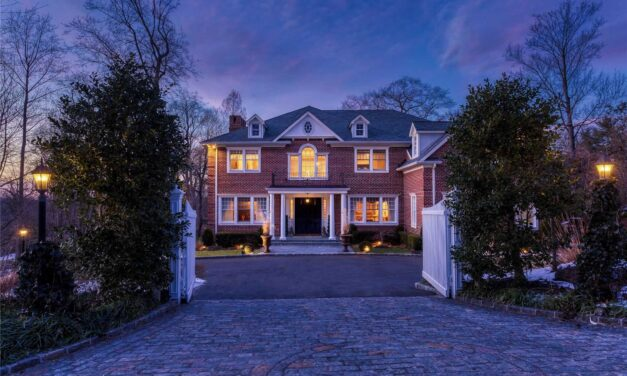 SOLD! MAGNIFICENT GEORGIAN BRICK COLONIAL IN ROSLYN HARBOR